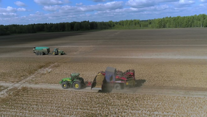 Tractors Lug Harvest Equipment : Stock Video